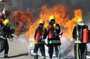 13951225000619 Test PhotoH 300x198 آتشسوزی گسترده لولههای فاضلاب نیمه کاره در ایذه