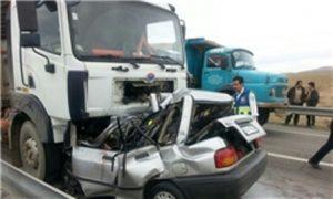 kp8j 13941225000373 photoa 300x180 تصادف سه خودرو 4 کشته بر جای گذاشت