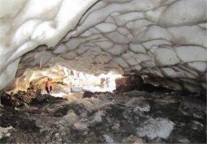 139312291732203044959094 300x209 جزئیات ریزش تونل برفی در ازنا/دو نفر کشته و مصدوم شدند