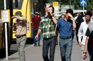 13960323001833 Test PhotoH 300x198 گرمازدگی چند شهروند خوزستانی را راهی بیمارستان کرد