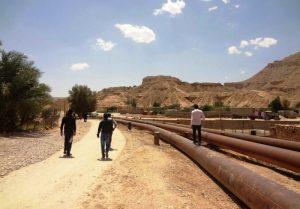 2059352 300x209 نزدیکی مردم اهواز به خطوط نفت یک تهدید بالقوه است