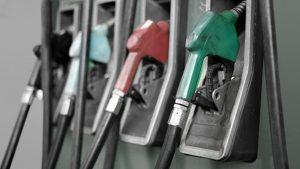 پمپبنزین 300x169 سد مجلس، برابر گرانی بنزین در بودجه 97