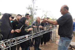 IMG 20190308 WA0040 300x200 مراسم اهداء و کاشت ۳۰هزار نهال به مناسبت روز درختکاری در مناطق کوی مهدیس و کوی اسلام آباد اهواز