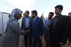 IMG 9171 Copy 300x200 بازدید استاندار خوزستان از مرکز اسکان اضطراری سیل زدگان روستای مگرن شوش