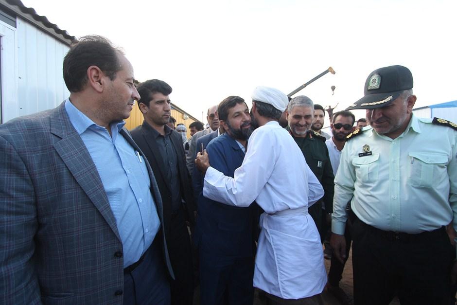 IMG 9183 Copy بازدید استاندار خوزستان از مرکز اسکان اضطراری سیل زدگان روستای مگرن شوش