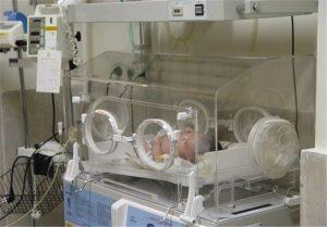 n83308895 73018148 300x209 نوزاد 45 روزه آبادانی با 14بار احیای قلبی و تنفسی به زندگی برگشت
