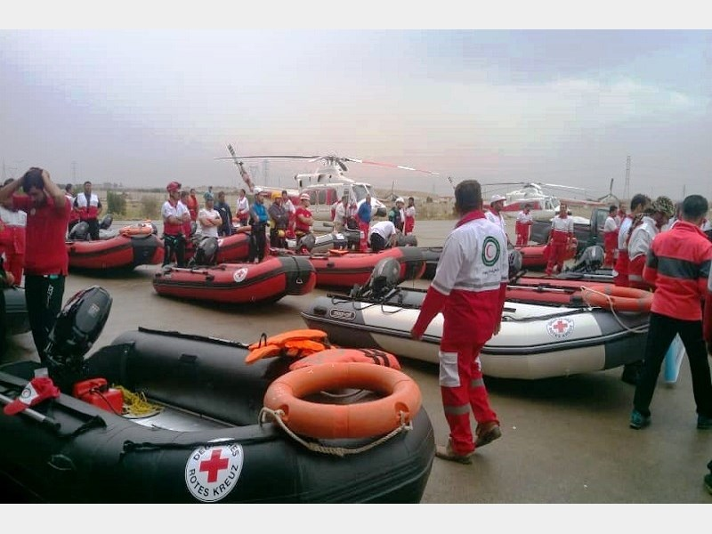 1027777 تشریح کمک های بین المللی از ۱۱ کشور جهان به مناطق سیل زده خوزستان