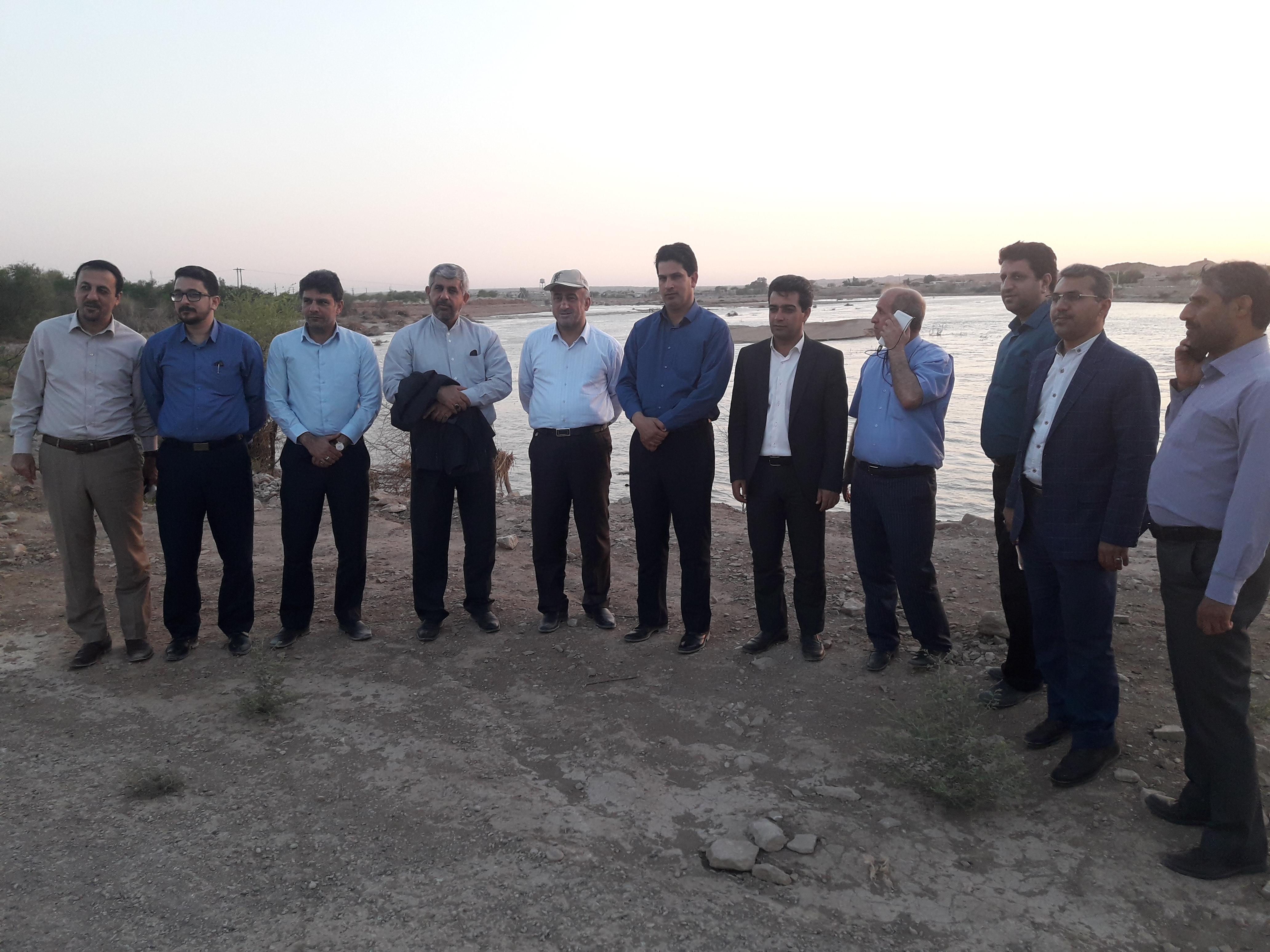 ۲۰۱۹۰۷۰۳ ۲۰۲۰۱۴ مدیرکل روابط عمومی و اموربین الملل استانداری خوزستان از بازدید اعضای کمیته اطلاع رسانی قرارگاه کشوری سیل از مناطق سیل زده استان خوزستان خبر داد