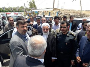 ۲۰۱۹۰۷۱۶ ۱۳۴۵۵۵ 300x225 بازدید نجار، رئیس سازمان مدیریت بحران کشور از مناطق زلزله زده مسجد سلیمان