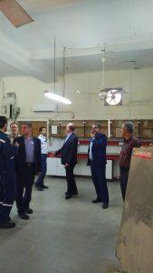 100505 365 169x300 بازدید هیئت اعزامی مناطق نفت خیز جنوب از مناطق زلزله زده مسجدسلیمان