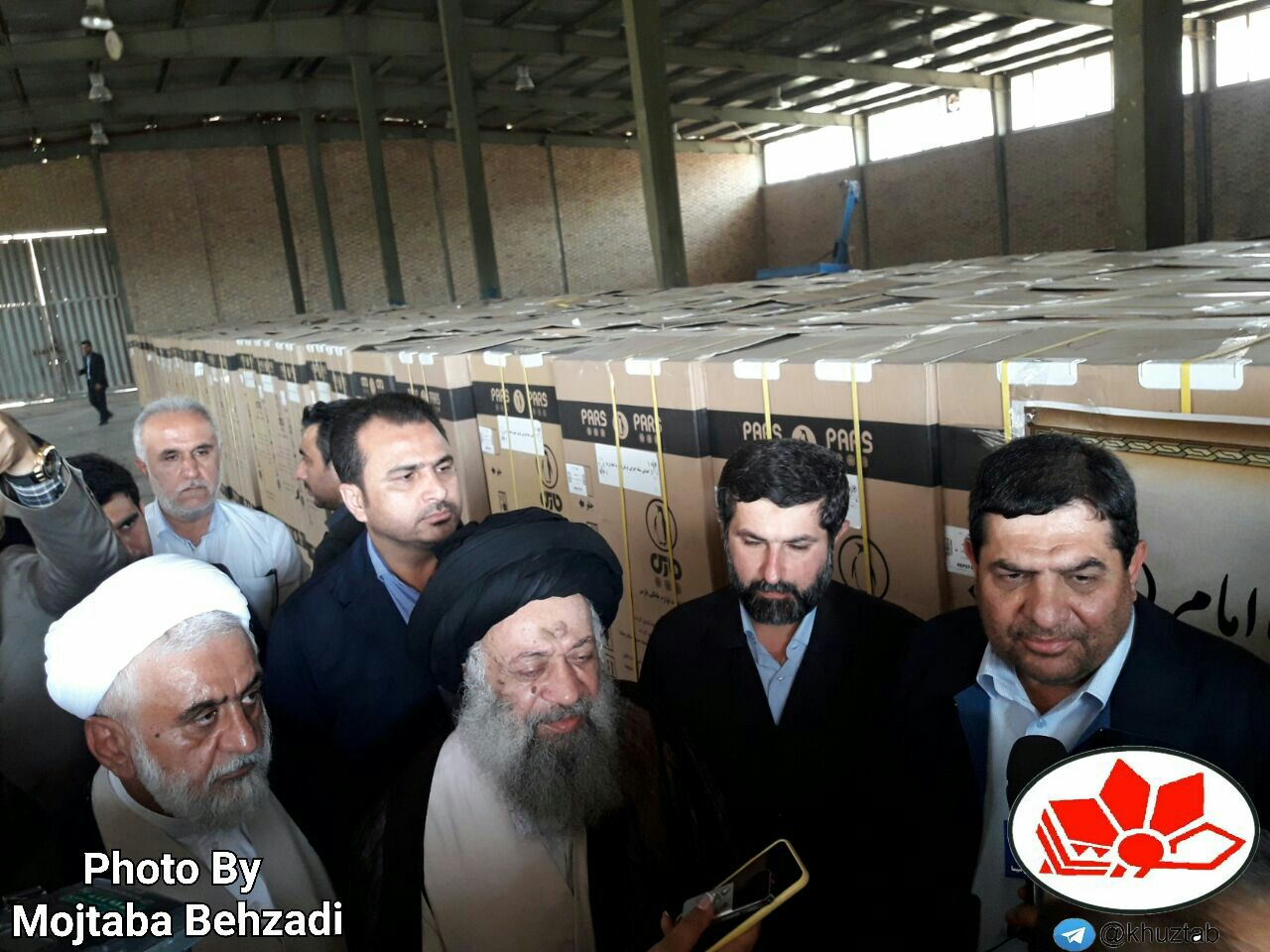 IMG 20190720 043622 081 محمد مخبر خبر داد: اهدای ۲هزار پکیج لوازم خانگی در مناطق زلزله زده مسجدسلیمان