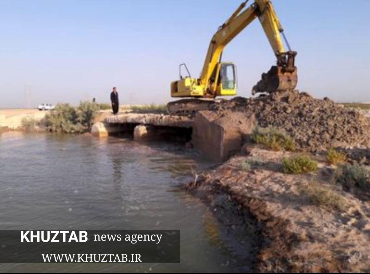 IMG 20190915 111413 627 عملیات لایروبی نهر خوردورق شادگان آغاز شد