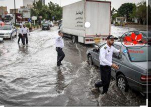 IMG 20191031 123936 027 300x214 تلاش برای جلوگیری از ورود آب به منازل در بارندگیهای اهواز