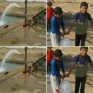 IMG ۲۰۱۹۱۱۰۲ ۱۷۵۴۰۹ 300x300 دبههای آب روی شانههای دانشآموزان روستای سودان