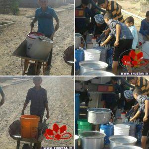 IMG ۲۰۱۹۱۱۰۲ ۱۷۵۶۰۶ 300x300 دبههای آب روی شانههای دانشآموزان روستای سودان