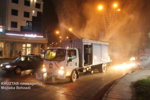 IMG 20200308 WA0021 300x200 استمرار عملیات ضدعفونی و گندزدایی معابر شهر اهواز توسط سازمان آتش نشانی