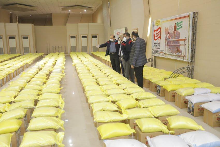 همدلی مومنانه شرکت فولاد اکسین با اهدا ده هزار بسته حمایتی