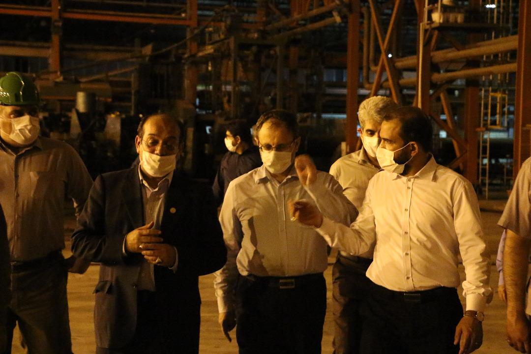 IMG 20200801 WA0081 بازدید مجتبی یوسفی و جمعی از نمایندگان کمیسیون اصل ۹۰ مجلس از روند خط تولیدات لوله سازی اهواز