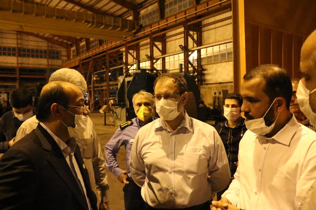 IMG 20200801 WA0083 بازدید مجتبی یوسفی و جمعی از نمایندگان کمیسیون اصل ۹۰ مجلس از روند خط تولیدات لوله سازی اهواز