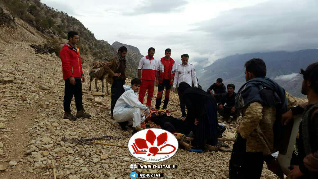 IMG 20201112 203146 969 نجات مادر باردار در مناطق صعب العبور ایذه توسط تیم اورژانس با همکاری هلال احمر