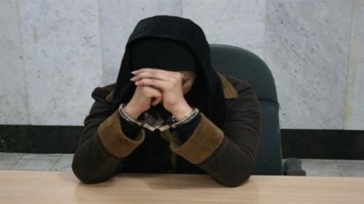 1023260571 بدهی نجومی یک صندوقدار وام خانگی در خوزستان/ کسری ۳هزار میلیاردی زهره حسینی/ آیناز قلندری فعلا متواری است