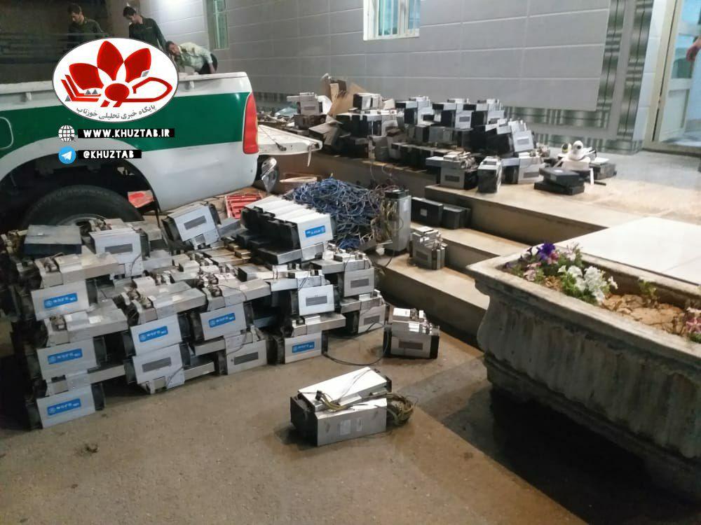 IMG 20210501 164536 761 کشف ۱۲۸ دستگاه استخراج رمز ارز در گاراژ متروکه اهواز