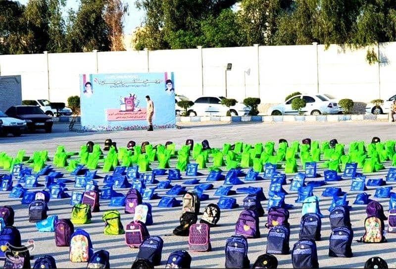 IMG 20210916 011508 968 ۱۰۰۰۰ هزار بسته لوازمالتحریر میان دانشآموزان نیازمند استان خوزستان توزیع میشود