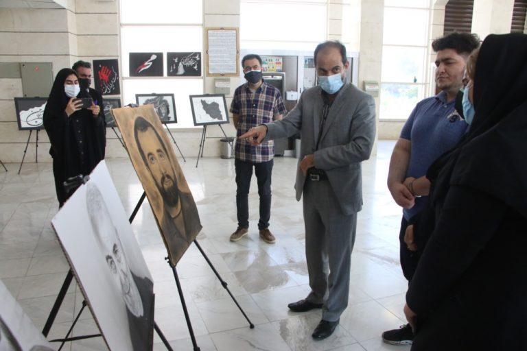 240541021023 5 768x512 1 بازدید مشاور و مدیرکل حوزه استاندار خوزستان از نمایشگاه عکس عاشورا